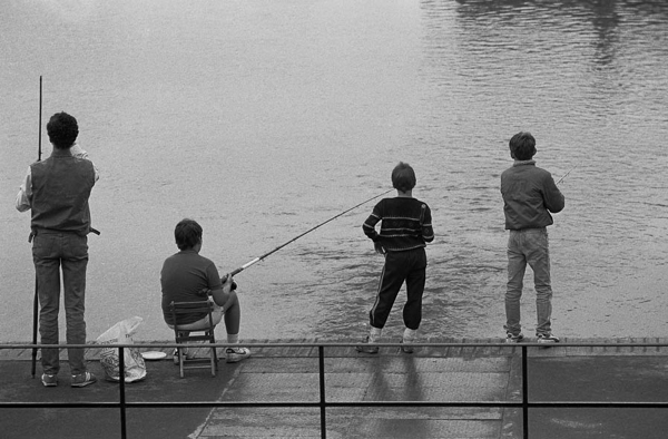Boys-fishing-Burgess-Park-lake-1984-copy