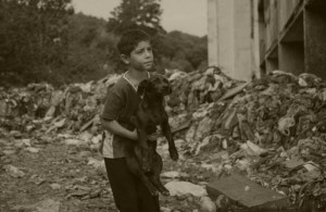 child_with_dog