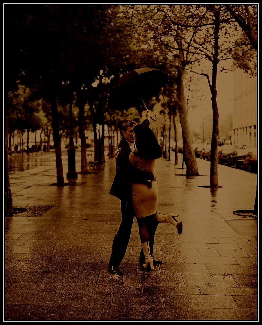 couple-in-rain-2